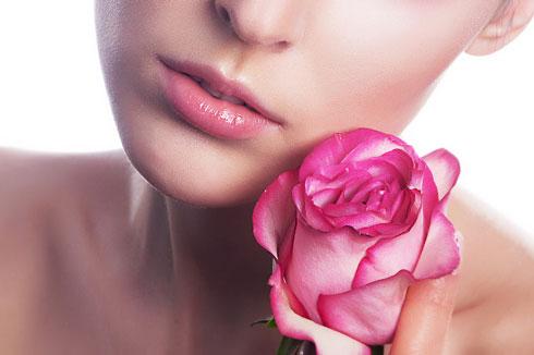 Mẹo nhỏ giúp môi hết thâm xỉn (1)